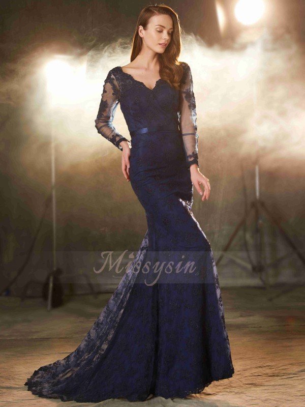 Trumpet/Mermaid V-neck Lace Sweep/Brush Train Sleeveless Applique Dresses
