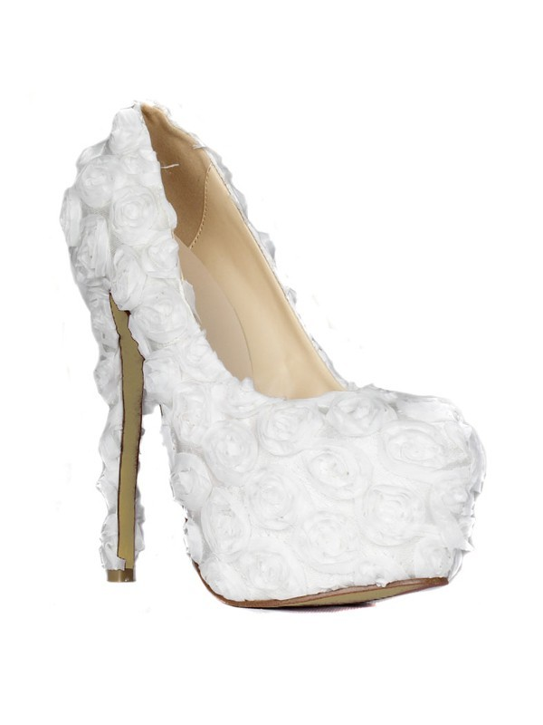 Women's Stiletto Heel Closed Toe Platform With Flowers White Wedding Shoes
