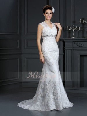 Sheath/Column V-neck Lace Sweep/Brush Train Beading Sleeveless Wedding Dress