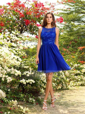 A-Line/Princess Bateau Chiffon Knee-Length Applique Sleeveless Bridesmaid Dress