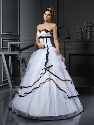 Ball Gown Sweetheart Satin Floor-Length Applique Sleeveless Wedding Dress