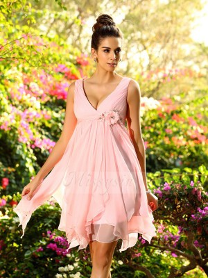 A-Line/Princess V-neck Chiffon Knee-Length Ruffles Sleeveless Bridesmaid Dress