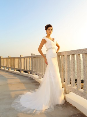Sheath/Column V-neck Net Court Train Pleats Sleeveless Wedding Dresses