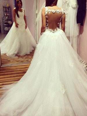 Ball Gown Sweetheart Chapel Train Sleeveless Applique Tulle Wedding Dresses