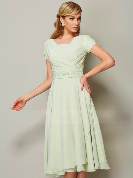 Sheath/Column Bateau Short Sleeves Chiffon Knee-Length Ruffles Bridesmaid Dress