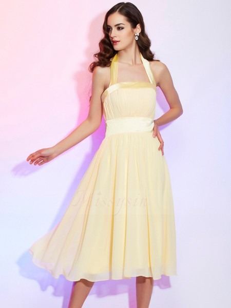 A-Line/Princess Halter Sleeveless Chiffon Knee-Length Pleats Dress