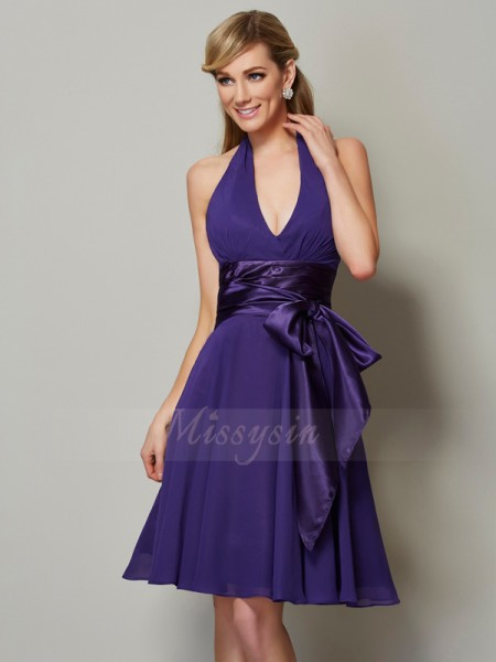 A-Line/Princess Halter Sleeveless Chiffon Knee-Length Bridesmaid Dress