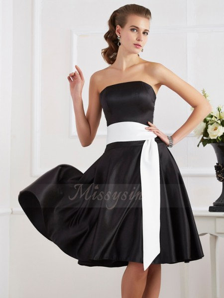 A-Line/Princess Strapless Sleeveless Satin Knee-Length Sash/Ribbon/Belt Dress