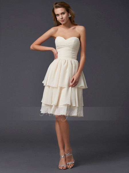 Sheath/Column Sweetheart Sleeveless Chiffon Knee-Length Bridesmaid Dress