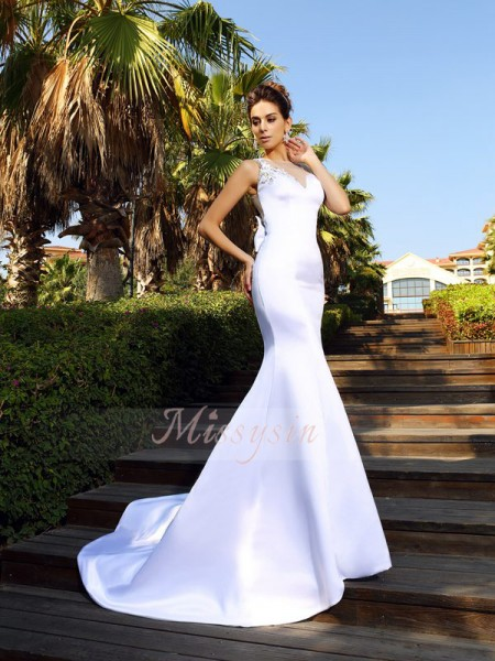 Trumpet/Mermaid Scoop Satin Court Train Beading Sleeveless Dress