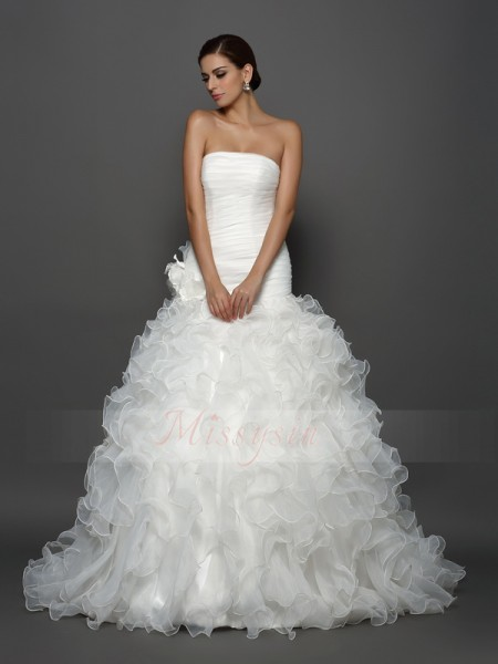 Ball Gown Strapless Organza Cathedral Train Hand-Made Flower Sleeveless Wedding Dress