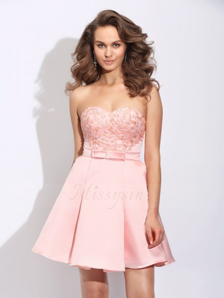 A-Line/Princess Satin Sweetheart Sleeveless Ruffles Short/Mini Cocktail Dresses