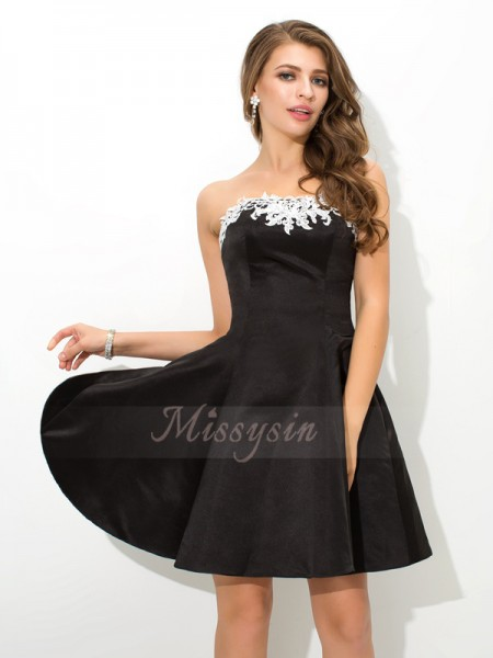 A-Line/Princess Satin Strapless Sleeveless Applique Short/Mini Cocktail Dresses