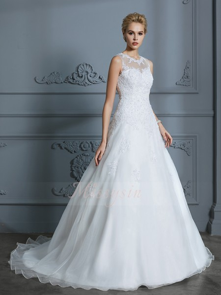 Ball Gown Court Train Scoop Ivory Tulle Sleeveless Wedding Dresses