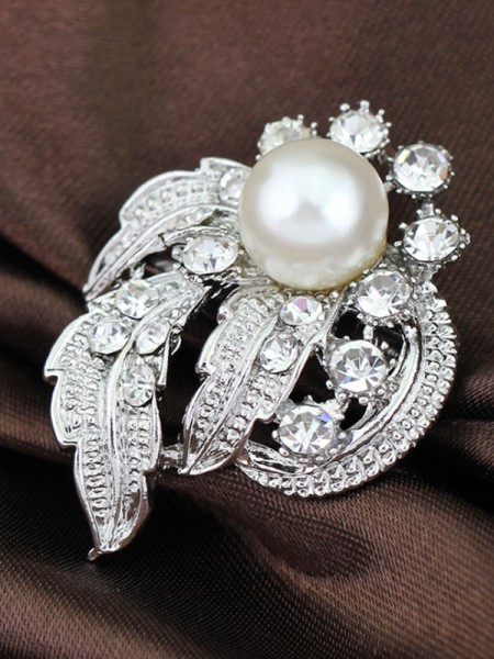 Vintage Alloy With Rhinestone/Imitation Pearl Womens Brooch