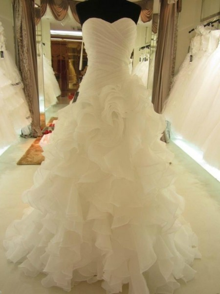 Ball Gown Sweetheart Organza Ruffles Court Train Sleeveless Wedding Dresses