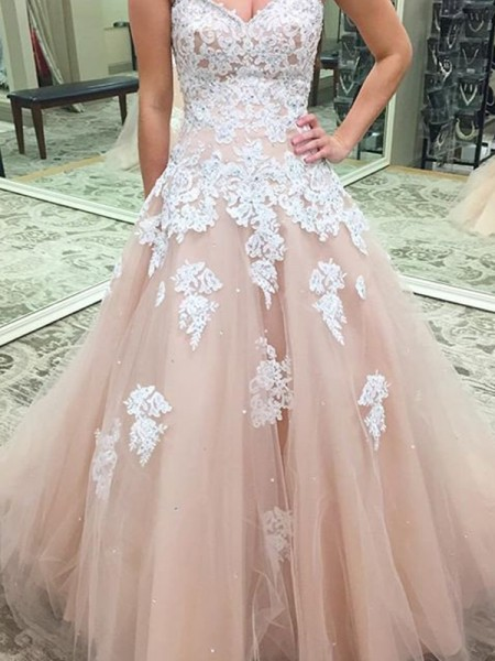 Ball Gown Sweetheart Sleeveless Floor-Length Applique Tulle Dresses