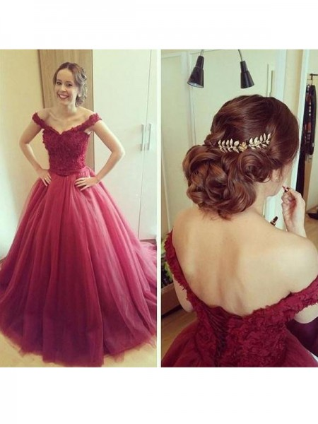 Ball Gown Off-the-Shoulder Sleeveless Court Train Applique Tulle Dresses