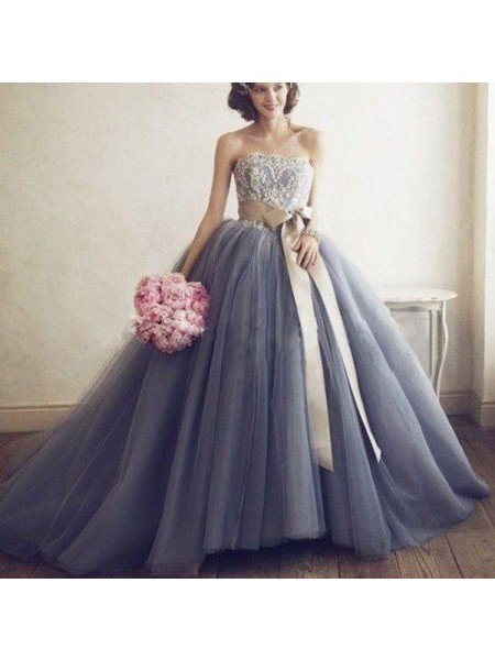 Ball Gown Sweetheart Sleeveless Sweep/Brush Train Applique Tulle Dresses