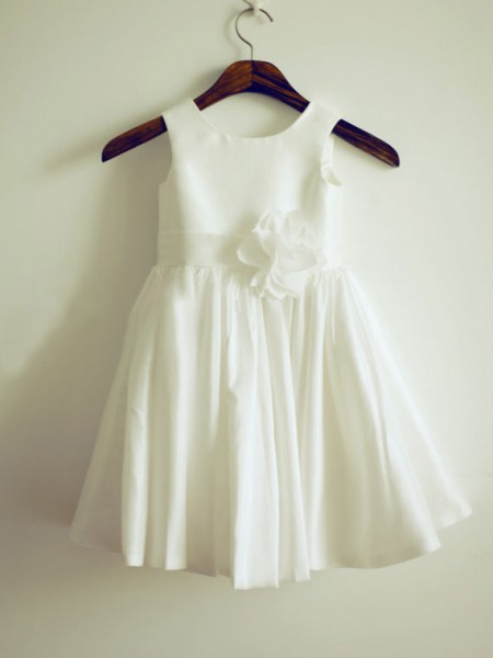 A-Line/Princess Sleeveless Jewel Taffeta Hand-Made Flower Knee-Length Flower Girl Dresses