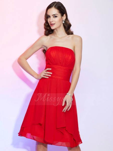 A-Line/Princess Strapless Sleeveless Chiffon Knee-Length Pleats Dress