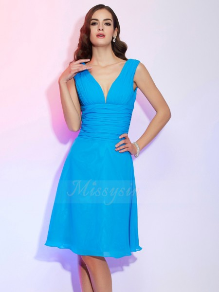 A-Line/Princess V-neck Short Sleeves Chiffon Knee-Length Pleats Dress