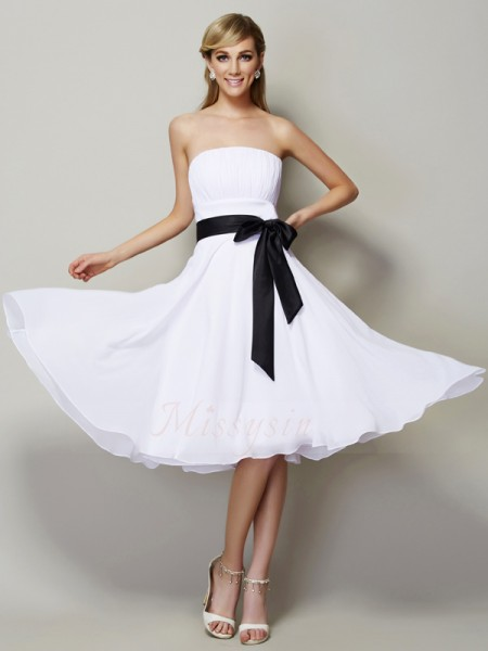 A-Line/Princess Strapless Sleeveless Chiffon Knee-Length Sash/Ribbon/Belt Bridesmaid Dress