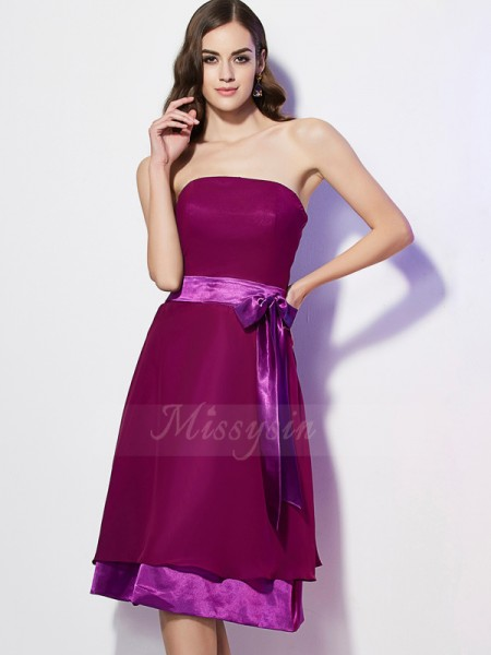 A-Line/Princess Strapless Sleeveless Chiffon Knee-Length Bowknot Bridesmaid Dress