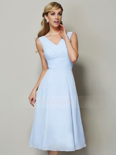 A-Line/Princess V-neck Sleeveless Chiffon Tea-Length Pleats Bridesmaid Dress