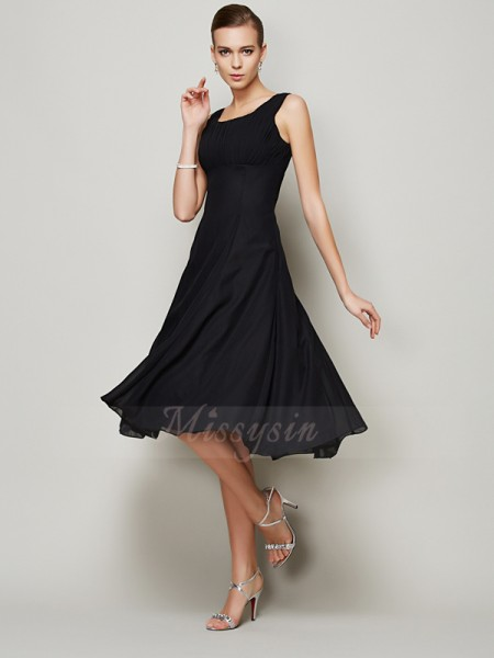 A-Line/Princess Sleeveless Straps Chiffon Knee-Length Pleats Dress