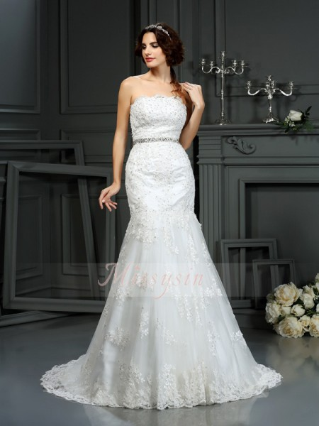 Trumpet/Mermaid Strapless Lace Court Train Beading Sleeveless Wedding Dress