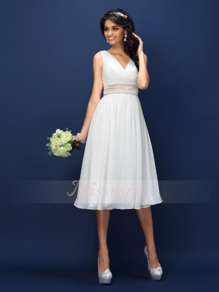 A-Line/Princess V-neck Chiffon Knee-Length Pleats,Sash/Ribbon/Belt Sleeveless Bridesmaid Dress