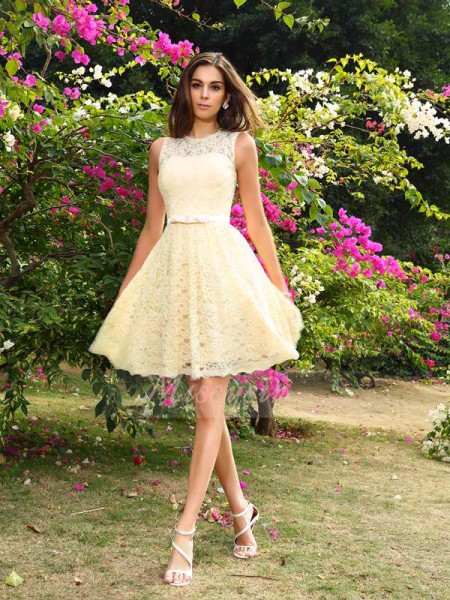 A-Line/Princess Scoop Elastic Woven Satin Knee-Length Lace Sleeveless Bridesmaid Dress