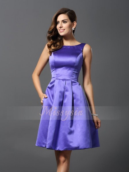 A-Line/Princess Scoop Satin Knee-Length Sleeveless Bridesmaid Dress