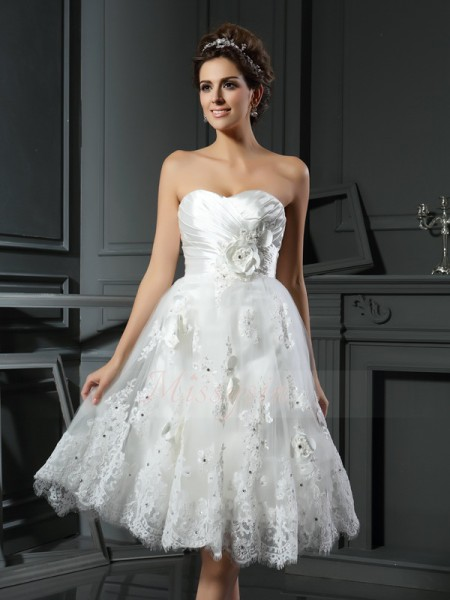 A-Line/Princess Sweetheart Satin Tea-Length Ruched Sleeveless Wedding Dresses