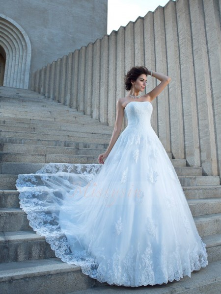 Ball Gown Satin Spaghetti Straps Sleeveless Applique Chapel Train Wedding Dresses