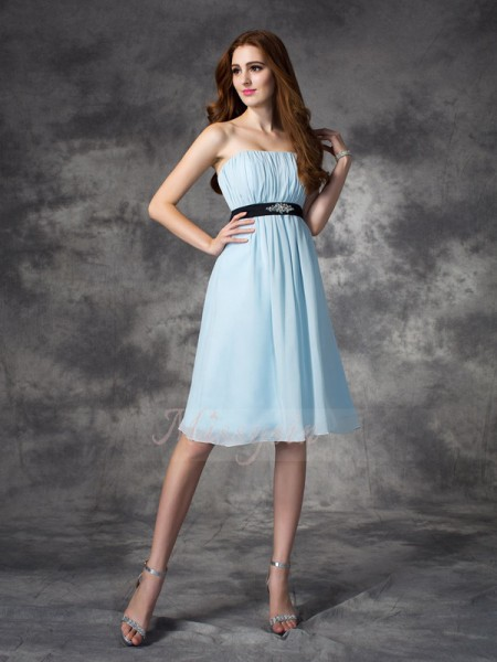 A-line/Princess Chiffon Strapless Sleeveless Rhinestone Knee-Length Bridesmaid Dresses