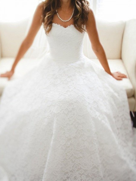 A-Line/Princess Sweetheart Cathedral Train Sleeveless Lace Wedding Dresses