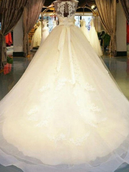 Ball Gown Off-the-Shoulder Sweep/Brush Train Sleeveless Beading Lace Wedding Dresses