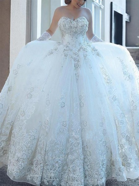 Ball Gown Sweetheart Cathedral Train Sleeveless Applique Tulle Wedding Dresses
