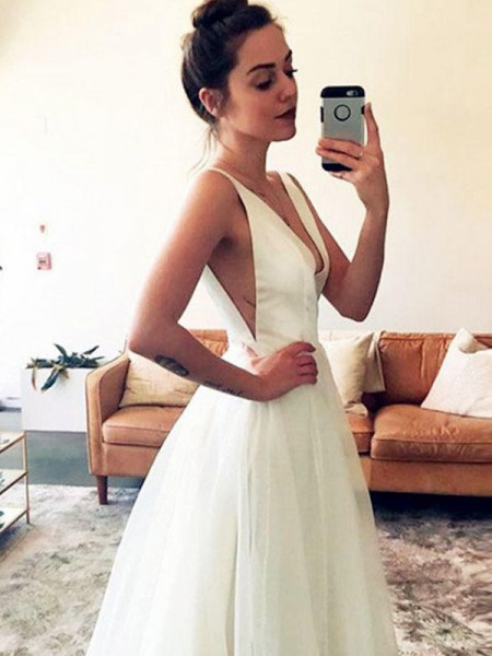 A-Line/Princess V-neck Sweep/Brush Train Sleeveless Ruched Tulle Wedding Dresses