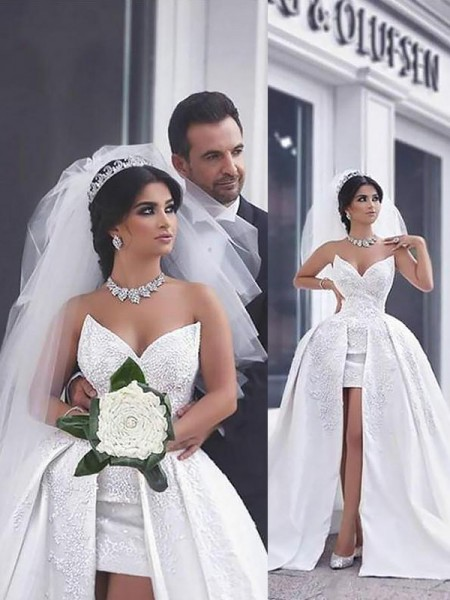 Ball Gown Sweetheart Sleeveless Chapel Train Beading Satin Wedding Dresses